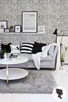 black and white living room, grey couch could work. Black And White Living Room, White Rooms, Living Room Grey, Home Living Room, Apartment Living, Living Room Designs, Living Room Decor, White Walls, Bedroom Black