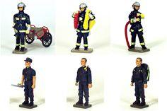 la Brigade des Sapeurs-Pompiers de Paris (BSPP) : - Sapeur-pompier avec dévidoir (réf. CBG 5762-001) - Sapeur-pompier avec ligne d'attaque (réf. CBG 5762-002) - Sapeur-pompier porte-lance (réf. CBG 5762-006) - Sapeur-pompier avec sac de premiers soins (réf. CBG 5762-003) - Sapeur-pompier avec clé de barrage (réf. CBG 5762-004) - Sapeur-pompier, chef d'agrès (ref. CBG 5762-005) Motorcycle Jacket, Paris, Jackets, Fashion, Fire Department, Fishing Line, Down Jackets, Moda, Montmartre Paris