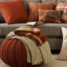 Interior: Autumn Throw Pillows Beautiful Last Leaf Of Pillow Outdoor TheChowDown As Well 17 from Autumn Throw Pillows Cosy Interior, Interior Design, Autumn Crafts, Comforters, Cottage, Throw Pillows, Blanket, Furniture, Home Decor
