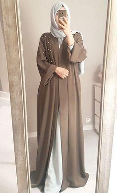 – Abaya look pearls beige Abaya look pearls beige – Hijab Fashion Niqab Fashion, Modern Hijab Fashion, Hijab Fashion Inspiration, Modest Fashion, Fashion Dresses, Street Hijab Fashion, Fashion Shoes, Mode Abaya, Mode Hijab