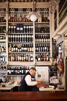 all the beauty things. Bar in Sevilla, Spain. Decoration Restaurant, Deco Restaurant, Restaurant Interior Design, Vintage Restaurant, Restaurant Interiors, Tapas Bar, Granada, Bar A Vin, Cadiz
