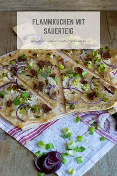 Flammkuchen - All you need is - Küchentraum & Purzelbaum Sauerkraut, Snacks Für Party, Pizza Hut, All You Need Is, Tacos, Mexican, German Recipes, Bread, Ethnic Recipes