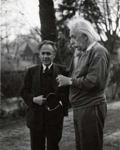 Albert Einstein smoking in garden with Otto Nathan. Albert Einstien, Albert Einstein Poster, Michael Faraday, Nobel Prize In Physics, Richard Feynman, Modern Physics, Theoretical Physics, E Mc2, Extraordinary People