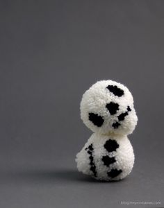10 Felt & Yarn Halloween and Fall Craft Projects