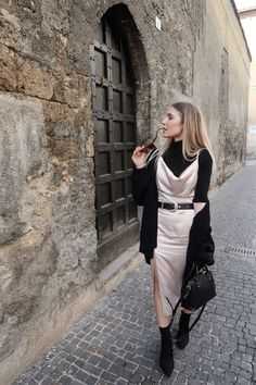 Slip Dress Autumn Winter Style Outfit Inspo Fashion Ideas Red Silk Dress Looks You Need To Try This Valentine's Day Slip Dress Outfit, Winter Dress Outfits, Casual Dress Outfits, Winter Fashion Outfits, Fall Dresses, Classy Outfits, Autumn Fashion, Slip Dresses, Dresses In Winter