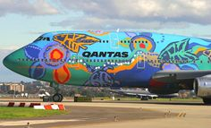 "Qantas Boeing VH-EBU in ""Nalanji Dreaming"" livery. Qantas Airlines, Best Airlines, Airplane Painting, Airplane Art, A380 Aircraft, Boeing 747, Commercial Plane, Commercial Aircraft, Helicopter Cockpit"