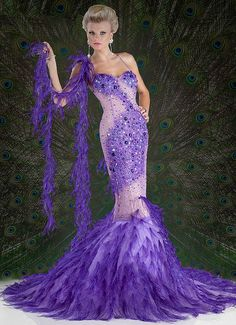 Couture in purple! Purple Love, Shades Of Purple, Purple Dress, Purple Peacock, Peacock Dress, Purple Things, Blue Gown, Pink Purple, Evening Dresses