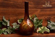 Owens Pottery 1896-1907 Utopian Tulips Bottle Vase #1069 - The Kings Fortune Hull Pottery, Pottery Vase, Star Monsters, Fun Deserts, Black Vase, Bottle Vase, Tulips, Restoration, Lights