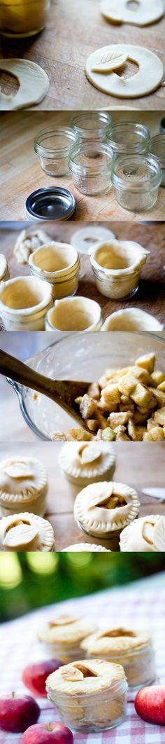 Sweet short crust pastry filled with apple with cinnamon and sugar Dulce de pasta quebrada rellena con manzana con canela y azúcar Subido de Pinterest. http://www.isladelecturas.es/index.php/noticias/libros/835-las-aventuras-de-indiana-juana-de-jaime-fuster