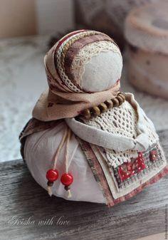 double apron doll made by Irisha Kolpakova, shop name kolpakova @ livemaster. Fabric Dolls, Fabric Art, Toy Workshop, International Craft, Waldorf Dolls, Love Sewing, Stuffed Animal Patterns, Doll Crafts, Crochet Toys