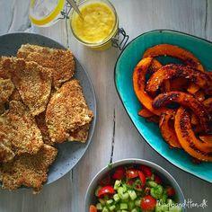 Sesampanerede fiskefileter med hokkaido-fritter --> madbanditten.dk Lchf, Keto, Fried Green Beans, Veggie Fries, Vegetarian Paleo, Fritters, Side Dishes, Easy Meals, Healthy Recipes