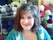 Bethany Daily of Gettin' It Pegged - Patterns and video tutorials for loom knitters.