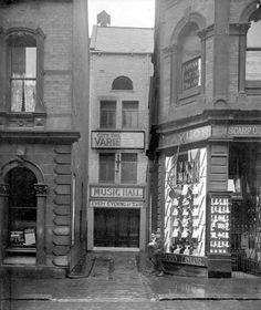 Old photo of Leeds City Varieties