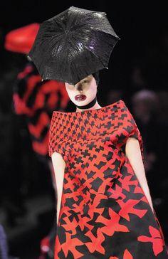 Alexander McQueen Autumn/Winter 2009: Paris Fashion Week RTW.