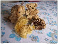 ARTISANAT  - LOT 4 décors ANIMAUX - ECUREUIL CHOUETTE HERISSON OURSON -  naturel très très légers - rafia bois fibres -