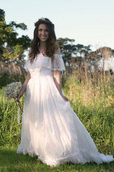Vintage Wedding Dress - MADELINE 1960s. $550.00, via Etsy.  love it!! want it!! :)