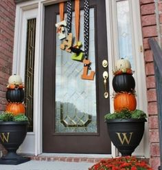 Great Fall decor for the front door.