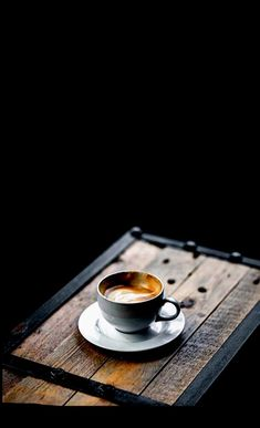 Travel, Cafe Racers and Fashion. Espresso Coffee, Coffee Cafe, Coffee Drinks, Coffee Break, Morning Coffee, Aeropress Coffee, Fresh Roasted Coffee, Pause Café, Pour Over Coffee