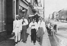 Elmore James, Sonny Boy Williamson, Tommy McClennan and Little Walter walking down the street in Chicago in 1953. (by Big Bill Broonzy/Yannick Bruynoghe Collection)