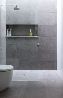 Modern Bathroom Have a nice week everyone! Today we bring you the topic: a modern bathroom. Do you know how to achieve the perfect bathroom decor? Grey Bathrooms, Beautiful Bathrooms, Modern Bathroom, Small Bathroom, Tiled Bathrooms, Skylight Bathroom, Serene Bathroom, Grey Bathroom Tiles, White Bathroom