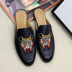 Guccl New Womens Mens 18059955283 Gucci Shoes, Men's Shoes, Boho Sandals, New Woman, New Product, Latest Fashion, Chloe, Slippers, Flats