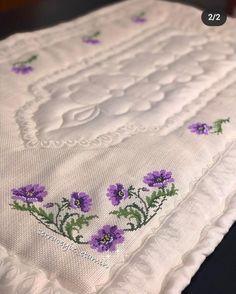 Bargello, Handmade, Cross Stitch Samplers, Hand Embroidery, Punto De Cruz, Crocheting, Dots, Manualidades, Drawings