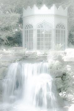 where fairies dwell Snow Queen, Ice Queen, A Cinderella Story, Ice Castles, Fairytale Castle, Living Water, White Gardens, Pantone Color, New Theme