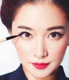 Hướng dẫn cách kẻ mắt đẹp tự nhiên cho bạn gái tuổi teen - https://mypham.club/huong-dan-cach-ke-mat-dep-tu-nhien-cho-ban-gai-tuoi-teen/