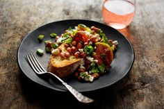 A Tomato Salad With a Greek Personality - NYTimes.com