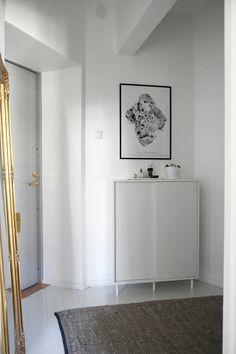 Ikean kenkäkaappi Blog Design, Oversized Mirror, Entrance, Ikea, Takana, Furniture, Interiors, Home Decor, Entryway