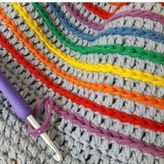 Free crochet pattern on a rainbow join granny square blanket. How to join crochet squares for afgan There is always the same question, when you finished the square, how to join them together. In this article, we present 12 amazing ways and different ideas Crochet Afghans, Crochet Stitches Patterns, Crochet Granny, Baby Blanket Crochet, Crochet Baby, Knitting Patterns, Knit Crochet, Rainbow Crochet, Blanket Patterns