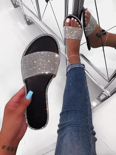 Shop Official Bee offers trendy women's footwear at a revolutionary price, leading the way for the fashion industry to all of our Official Bee babes worldw Women's Shoes, Cute Shoes, Me Too Shoes, Flat Shoes, Shoes Style, Shoes Sneakers, Casual Shoes, Oxford Shoes, Asos Shoes