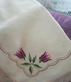 Cross Stitching, Cross Stitch Embroidery, Hand Embroidery, Cross Stitch Flowers, Diy Painting, Blackwork, Needlework, Diy And Crafts, Projects To Try
