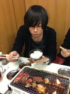 [Champagne]川上洋平2013/1/13 ようぺいん、鶴橋の焼肉満喫中!総長