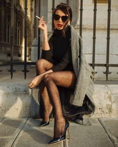 When it is not cold enough to wear thick trench coat outfit Classy Outfits, Chic Outfits, Fashion Outfits, Womens Fashion, Short Girl Fashion, Fashion Socks, Ladies Fashion, Fashion Ideas, Look Fashion