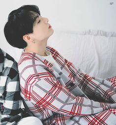 "Ethereal visual of ""golden maknae"" Jungkook (BTS) Jung Kook, Jung Hyun, You Smile, Busan, K Pop, Bts Jungkook, Taehyung, Bts Band, Rapper"