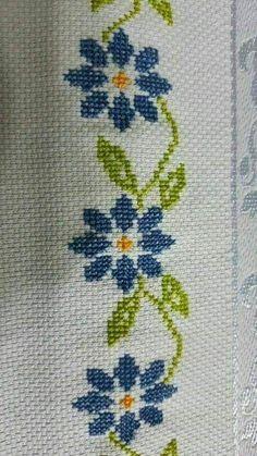 Crochet Niffler How To Crochet Easiest Triangle Wrap Cross Stitch Rose, Cross Stitch Borders, Cross Stitch Flowers, Chain Stitch, Cross Stitch Designs, Cross Stitching, Cross Stitch Embroidery, Cross Stitch Patterns, Crochet Bobble
