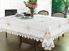 Toalha de Mesa com Bordado Richelieu Retangular 6 Lugares 160x220cm - Emily Rosa - Dui Design | Vida e Cor