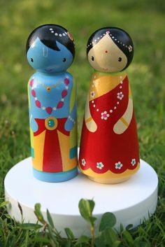 Krishna and Radha peg people inspiration Wood Peg Dolls, Clothespin Dolls, Wood Toys, Doll Crafts, Diy Doll, Paper Dolls, Art Dolls, Clay Dolls, Wooden People