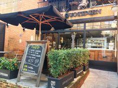 Fundada em Bruxelas, na Bélgica em 1990, o restaurante e boulangerie Le Pain Quotidien oferece um brunch delicioso.