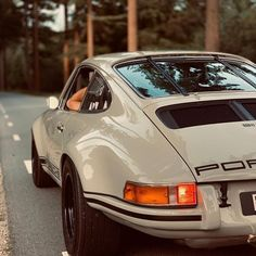 Gentleman Style 305259680997421013 - Gentleman Style Source by vintageluxurylife Porsche 911, Vintage Sports Cars, Vintage Cars, Mercedez Benz, Pretty Cars, Vintage Porsche, Classy Cars, Gentleman Style, Dapper Gentleman