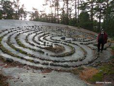 Finbyn jatulintarha, Parainen  Jatulintarha on viikinkien aikainen palvontapaikka. Se on tehty asettelemalla kiviä spiraalin muotoon.