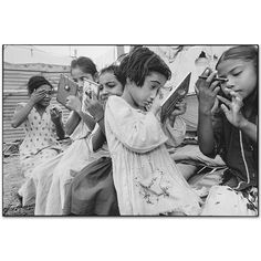 Mary Ellen Mark - Indian Circus - 401T-117-009