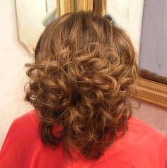 Medium Curly, Medium Hair Styles, Curly Hair Styles, Hair Medium, Perm Rods, Roller Set, Hair Flip, Curlers, Big Hair