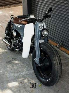 Find out more about just a few of my most popular builds - custom made scrambler ideas like Honda Cub, C90 Honda, Womens Motorcycle Helmets, Scooter Motorcycle, Moto Bike, Scooter Scooter, Motorcycle Girls, Scooter Custom, Custom Bikes