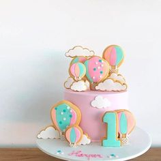 "2,385 Likes, 14 Comments - Decor&Festa - Mari Mangione/SP (@decorefesta) on Instagram: ""Bom dia com bolo lindo e decorado com cookies ☁️ . . By @spoonandfork_sydney #decorefesta…"""