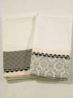 I like this idea, perhaps with the same fabrics. I am liking the flour sack ideas! Blue Tea Towel Flour Sack Towel Set of Two by RegansSweatShoppe Dish Towels, Hand Towels, Tea Towels, Kitchen Linens, Kitchen Towels, Small Sewing Projects, Sewing Crafts, Towel Apron, Flour Sack Towels