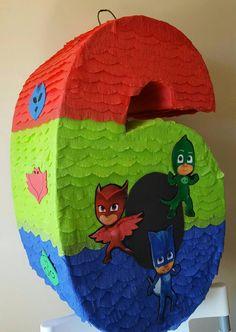 Piñata Jumbo en forma de número  inspirada por PJ Mask.