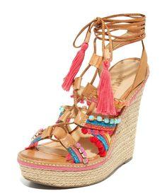 Sandales compensées Mella signées Schutz, printemps-été 2016 - http://tendance-talons.com/?p=27776