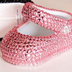 Pink baby shoes- aaaahh so cute!